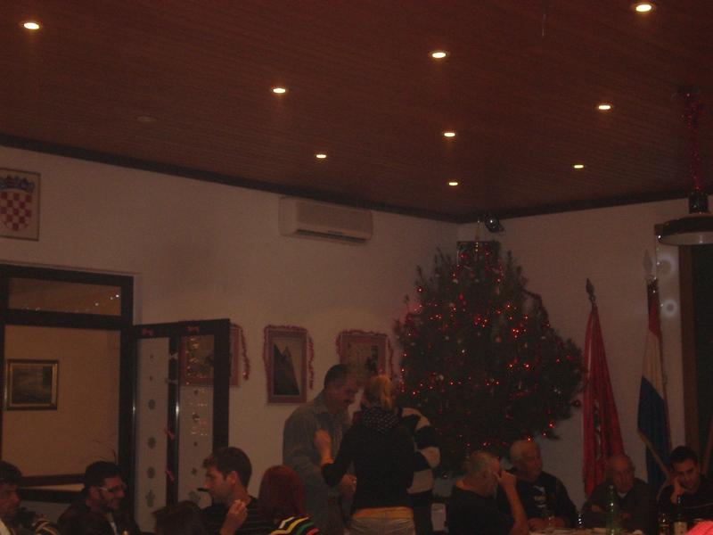 Dvd Komiža-skupština 28.12.2013 godine