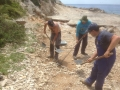 dvd komiža, saniranje rupe na rivi u uvali barjoško, svibanj-2015